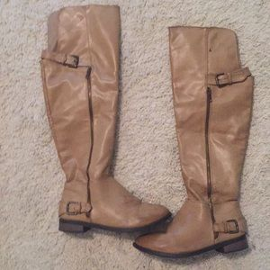 Restricted boots size 7